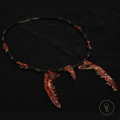 ⋮ Feuer und Schwefel ⋮ Bone Necklace